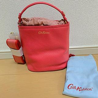 キャスキッドソン(Cath Kidston)のキャスキッドソン  レザースモールバケットバッグ トマトレッド バッグ(ショルダーバッグ)