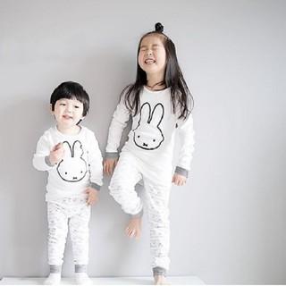 新品 難あり うさぎ柄 モノクロ miffy 長袖パジャマ 90
