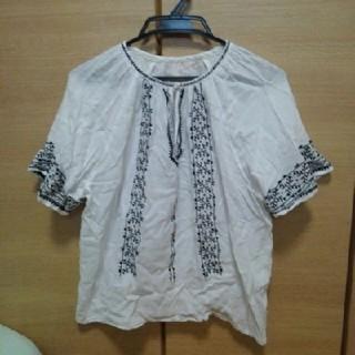 ディスコート(Discoat)の刺繍ブラウス(シャツ/ブラウス(半袖/袖なし))