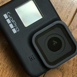 GoPro Hero8 本体とアクセサリー(ビデオカメラ)
