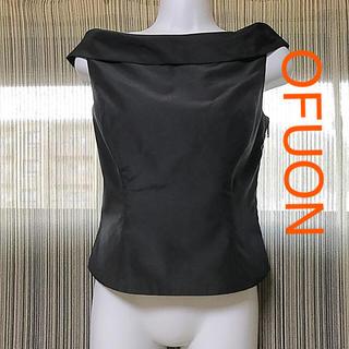 OFUON - ofuon ブラック トップス ローカラー