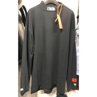 オフホワイト(OFF-WHITE)のHERON PRESTON CTNMBモックネックロゴカットソー  新品(Tシャツ/カットソー(七分/長袖))