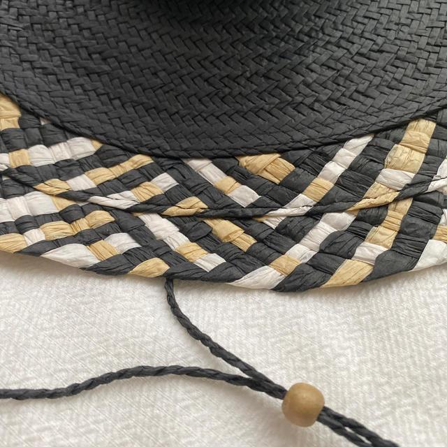 BCBGMAXAZRIA(ビーシービージーマックスアズリア)のBGBGMAXAZRIA  ハット 帽子 ブラック  BGBG レディースの帽子(ハット)の商品写真