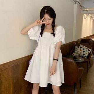 ディーホリック(dholic)の韓国ファッション パフスリーブミドル丈ワンピース シンプルワンピース ホワイト(ひざ丈ワンピース)