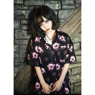 ミルクボーイ(MILKBOY)のKRY BARADARAKE SHT 薔薇 シャツ ROSE 新品未開封(シャツ)