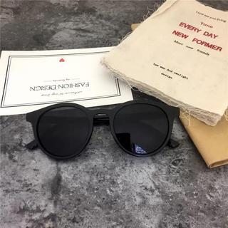 アメリヴィンテージ(Ameri VINTAGE)の【新品】カラー サングラス レディース  メンズ UV 韓国 ラウンド ブラック(サングラス/メガネ)