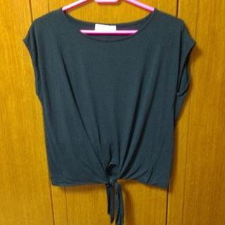 ダズリン(dazzlin)の【美品】dazzlin リボン付きTシャツ(Tシャツ(半袖/袖なし))