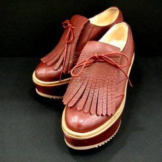 ヴィヴィアンウエストウッド(Vivienne Westwood)のVivienne Westwood ゴルフシューズ(茶色)(ローファー/革靴)