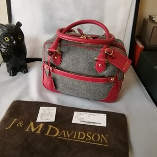 ジェイアンドエムデヴィッドソン(J&M DAVIDSON)の非常に美品12.6万。J&M Davidson MiniMia ハンドバッグ(ハンドバッグ)