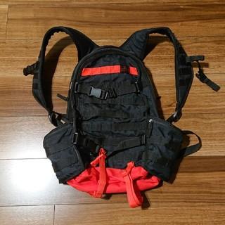 ナイキ(NIKE)の新品 NIKE sb バックパック 黒赤 カラビナ つけ放題(バッグパック/リュック)