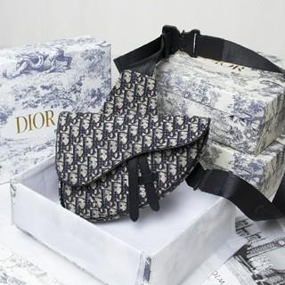ディオール(Dior)のDIOR ショルダーバッグ 男女兼用 (ショルダーバッグ)