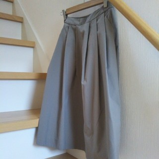 ユニクロ(UNIQLO)のユニクロ タック入りスカート(ひざ丈スカート)