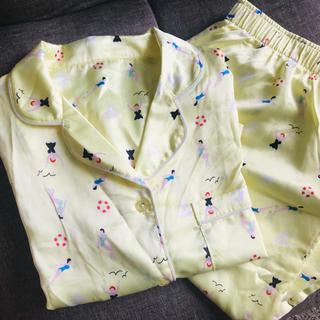 GU - GU サテンパジャマ 半袖長ズボン