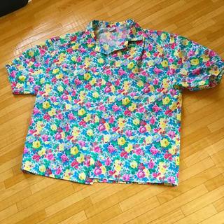 サンタモニカ(Santa Monica)の古着 コットンシャツ ボタニカル 花柄 ビンテージ(シャツ/ブラウス(半袖/袖なし))