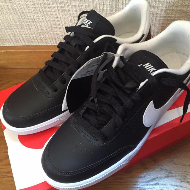 NIKE(ナイキ)の新品 Nike 黒白 スニーカー 人気 レディースの靴/シューズ(