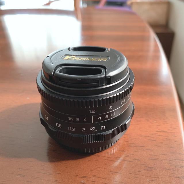 OLYMPUS(オリンパス)のKAXINDA マイクロフォーサーズ 35mm f1.2 大口径 MFレンズ スマホ/家電/カメラのカメラ(レンズ(単焦点))の商品写真