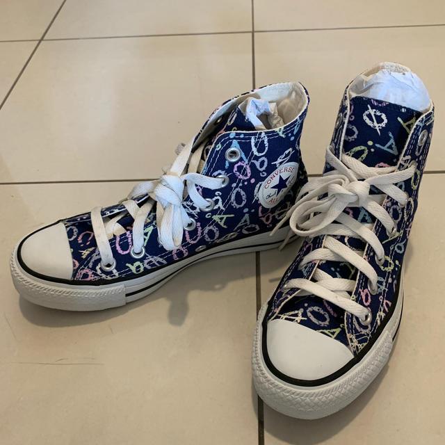 CONVERSE(コンバース)のコンバース22.0cm 女の子 ハイカットスニーカー キッズ/ベビー/マタニティのキッズ靴/シューズ(15cm~)(スニーカー)の商品写真