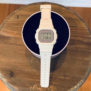 カシオ(CASIO)のG-SHOCK × PIGALLE DW-5600PGB-1JR オフホワイト(腕時計(デジタル))