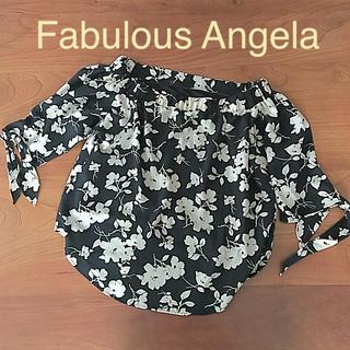 ファビュラスアンジェラ(Fabulous Angela)の【 FabulousAngela】美品デコルテきれい見せ♪花柄お袖リボンブラウス(シャツ/ブラウス(半袖/袖なし))