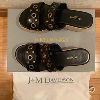 ジェイアンドエムデヴィッドソン(J&M DAVIDSON)のJ&M DAVIDSON☆ハトメスタッズ ウエッジサンダル(サンダル)