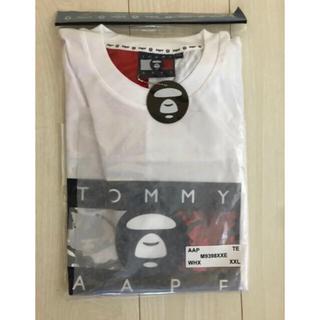 アベイシングエイプ(A BATHING APE)のAAPE X TOMMY JEANS FLAG TEE WHITE XXL(Tシャツ/カットソー(半袖/袖なし))