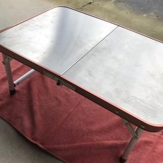コールマン(Coleman)のコールマン ステンレスファイアーサイドテーブル(テーブル/チェア)