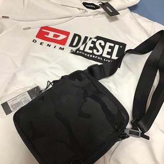 ディーゼル(DIESEL)の洗練されたデザイン 貴重品入れ 洋服に合わせやすいブラック ディーゼル(ショルダーバッグ)