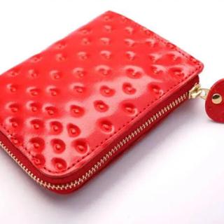 ポールスミス(Paul Smith)のアールスフェボリット いちごなL字ファスナーミニ財布(牛革製)(財布)