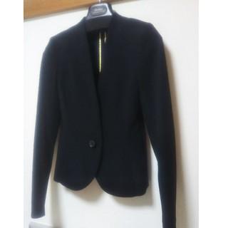 セオリー(theory)の美品 BEIGE パンツスーツ ブラック(ノーカラージャケット)