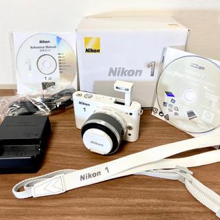Nikon - 【美品/使用回数2回】NIKON ニコン J2 ミラーレス デジタル一眼 カメラ
