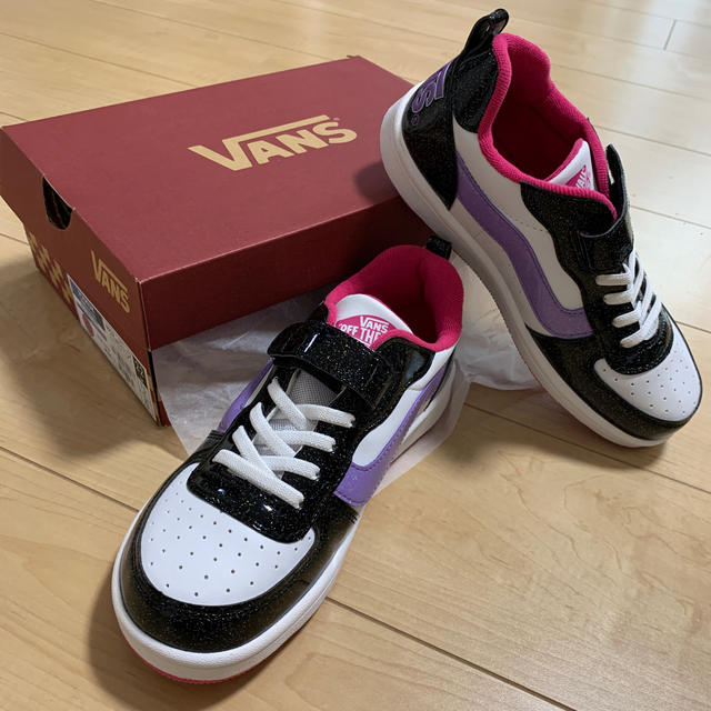 VANS(ヴァンズ)のVANSスニーカー キッズ/ベビー/マタニティのキッズ靴/シューズ(15cm~)(スニーカー)の商品写真