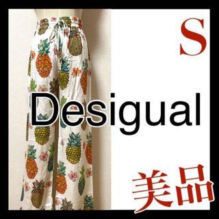 デシグアル(DESIGUAL)の美品 デシグアル Desigual 総柄 ワイド パンツ パイナップル柄 S(カジュアルパンツ)