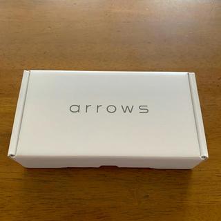 アローズ(arrows)のarrows M05 ホワイト(スマートフォン本体)