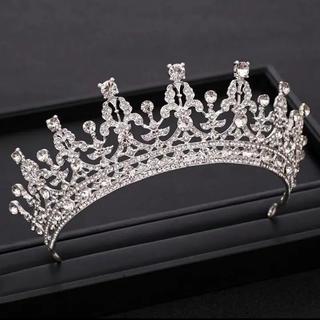 即日発送 エリザベス女王 ティアラ レプリカ ロイヤル ウエディング