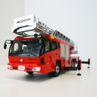 新品🔶モリタ◆先端屈折式はしご付消防車スーパージャイロラダー 1/32スケール(模型/プラモデル)