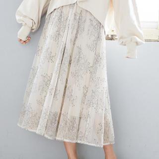 ミスティウーマン(mysty woman)のmysty woman❁花柄刺繍チュールスカート(ロングスカート)