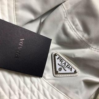 PRADA - PRADA(プラダ)】 ロゴ バケットハット ホワイト 白 帽子