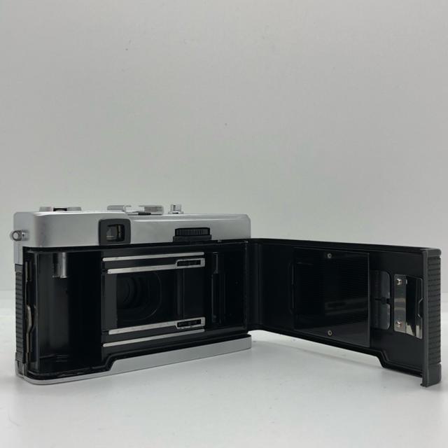 OLYMPUS(オリンパス)の【完動品】Olympus trip 35 フィルムカメラ スマホ/家電/カメラのカメラ(フィルムカメラ)の商品写真