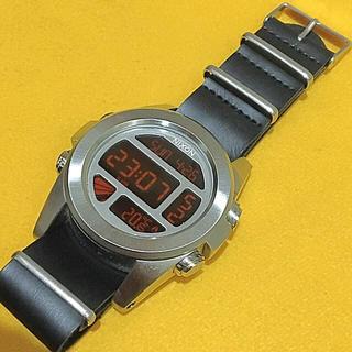 ニクソン(NIXON)のTHE UNIT NIXON デジタルクロノ NATOレザーベルト付(腕時計(デジタル))