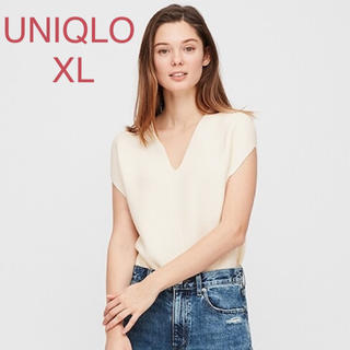 ユニクロ(UNIQLO)の★UNIQLO 3dコットンコクーンvネックセーター 白XL(ニット/セーター)