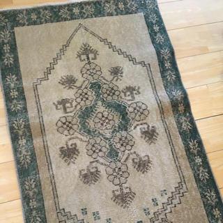 アクタス(ACTUS)の花柄ヴィンテージラグ 絨毯 玄関マット(玄関マット)