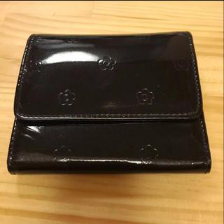マリークワント(MARY QUANT)のMARY QUANT マリークワント 黒 エナメル 三折り財布 BLACK(財布)