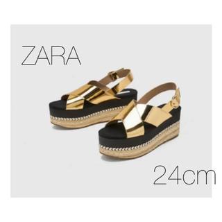 ザラ(ZARA)の★新品★ ZARA TRAFALUC  ザラ ゴールドサンダル 24cm(サンダル)