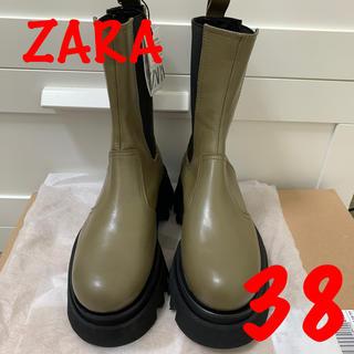 ザラ(ZARA)のZARAトラックソール付レザーショートブーツ新品(ブーツ)