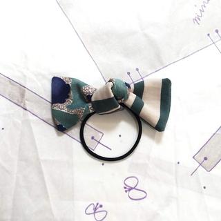 ミナペルホネン(mina perhonen)のミナペルホネン ハンドメイド ヘアゴム グリーン ariel & stripe(ヘアアクセサリー)