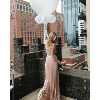 ビーシービージーマックスアズリア(BCBGMAXAZRIA)の❤️ ★BCBG2020新作 新品  ピンクスカート 綺麗大人気(ロングスカート)