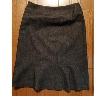 アンタイトル(UNTITLED)のUNTITLED グレー スカート(ひざ丈スカート)