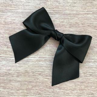 d再販 シンプルサテンリボン ふんわり留め 選べるブローチヘアクリップ 黒(ブローチ/コサージュ)