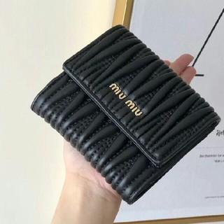 ミュウミュウ(miumiu)のm❥iumiu◓  ღღ財布 折り財布(財布)