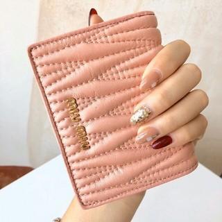 ミュウミュウ(miumiu)のmi❥u◑miu  財布 ❥♤折り財布(財布)